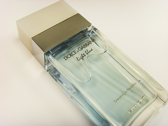 A Closer Look at Dolce   Gabanna Light Blue Summer Dreaming in Portofino and  Living Stromboli 2f019c6cfc0