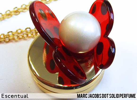 Marc Jacobs Dot Solid Perfume Close Up
