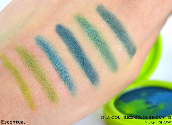 Stila Countless Colour Pigments in Lightshow Swatched