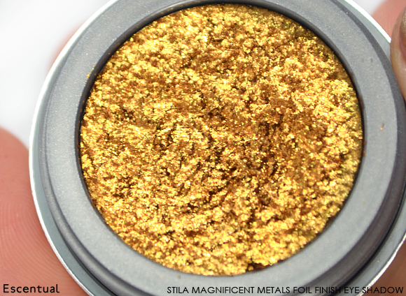 Stila Magnificent Metals Foil Finish Eye Shadow in Comex Gold Close