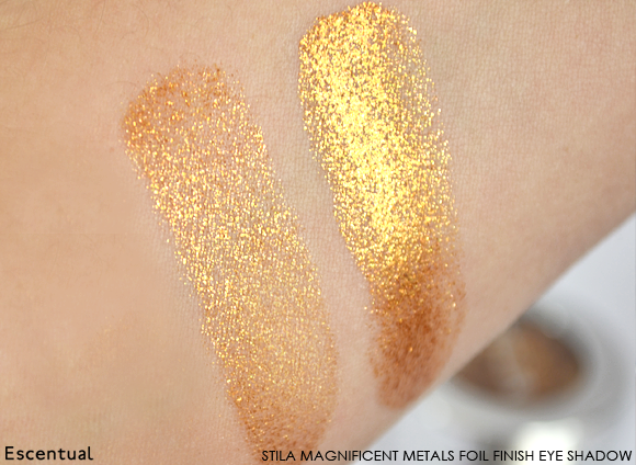 Stila Magnificent Metals Foil Finish Eye Shadow in Comex Gold Swatch