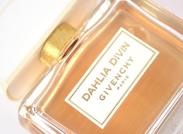 Givenchy Dahlia Divin Close
