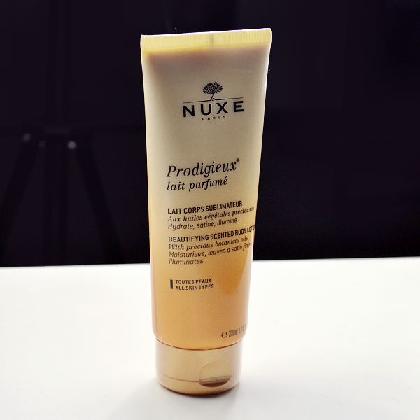 nuxe-prodigieuse-beautifying-scented-body-lotion