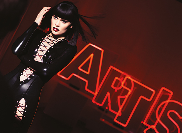 Get the Jessie J x MAKE UP FOR EVER Artist Acrylip Look