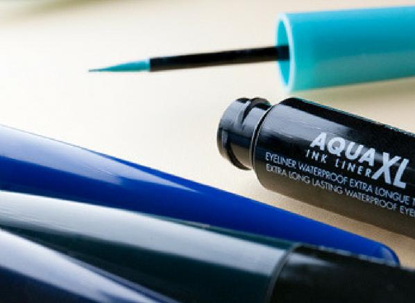 MAKE UP FOR EVER Aqua XL Ink Liner M-26 - Matte Light Turquoise Close Up