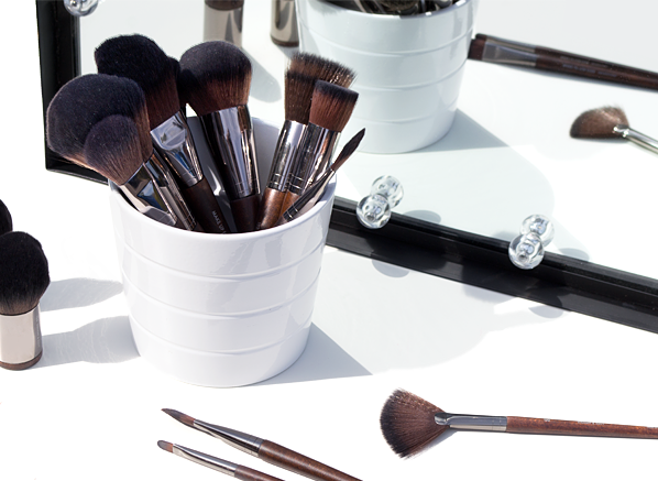 Makeup Brushes You Need And Why Main Banner Visual -