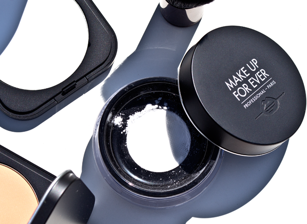 MAKE UP FOR EVER Ultra HD Loose Powder Open Product Shot