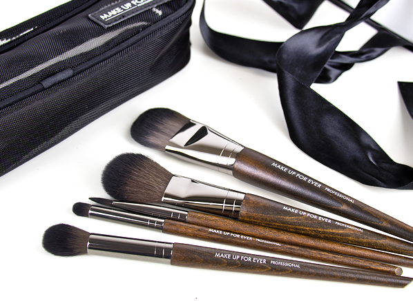 MAKE UP FOR EVER Lustrous Brush Gift Set - Christmas List