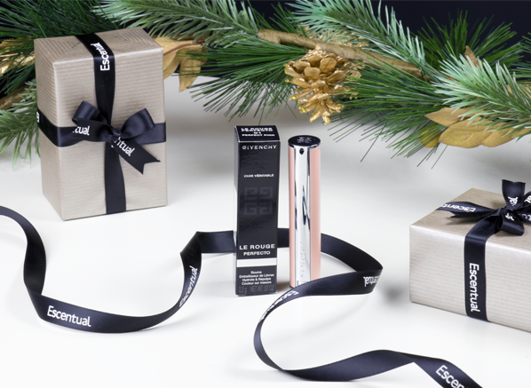 5-Ways-to-Stay-Calm-This-Christmas-5-Choose-Gift-Wrap