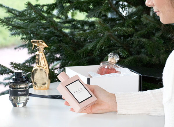 How to Gift Fragrance at Christmas