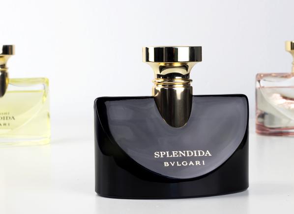2018's-Biggest-Perfume-Trends-Florals-Bvlgari-Splendida-Jasmin-Noir