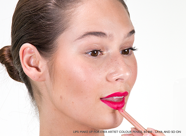 Blog-Ceryn-Lining-Her-Lips-With-MAKE-UP-FOR-EVER-Artist-Colour-Pencil-In-800-Lava-And-So-On