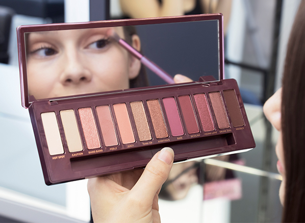 Beauty Team Favourites - October 2018 - Urban Dcay Naked Cherry Eyeshadow Palette - Blog Edit