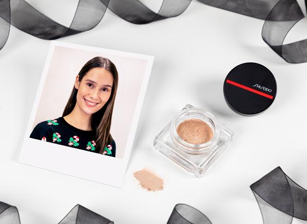Ceryn using Shiseido Aura Dew in 2 Solar